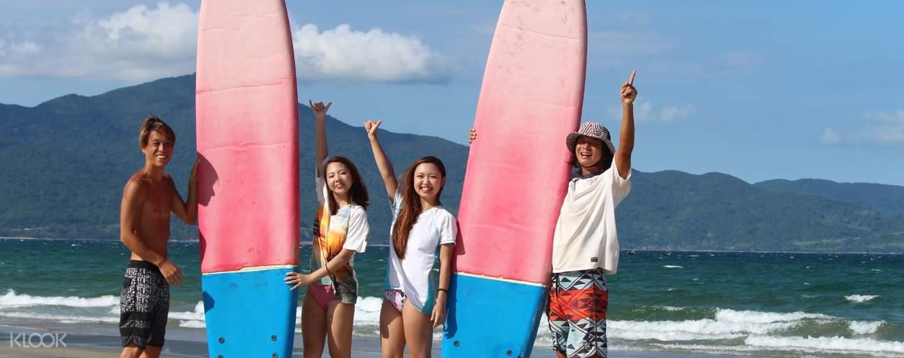 surfboards in shop da nang